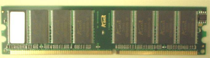 голяма снимка на 512MB DDR400 A-DATA